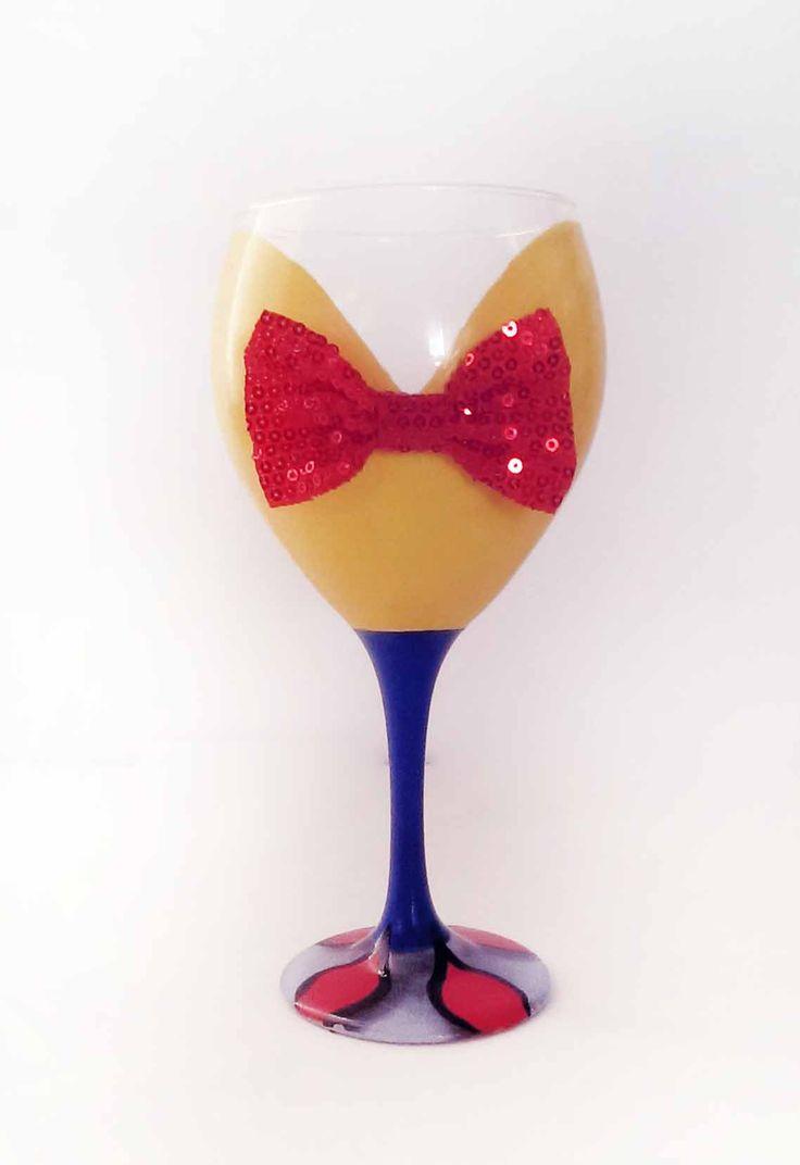 1000 ideas about cute wine glasses on pinterest wine for Cute wine bottles