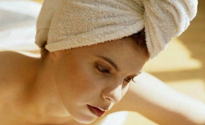 Шикарная густая шевелюра — мечта многих, а как сделать волосы густыми, вы узнаете, прочитав эту статью. ВИЗИТНАЯ КАРТОЧКА ЖЕНЩИН Действительно пышная шевелюра украсит любую девушку, а вот жидкие прядки красоты не добавляют. Если от природы у вас именно слабые волосики, можно ли сделать их гуще? Это практически невозможно, а вот укрепить, сделать их толще, можно попробовать. Многим женщинам даже из самых …