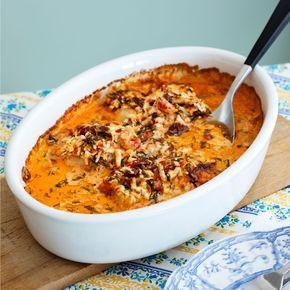 Ajvar, fetaost, kräftstjärtar och grädde piffar upp ett paket fryst torsk hur lätt som helst. Bra mat för dig som vill hålla nere på kolhydraterna.