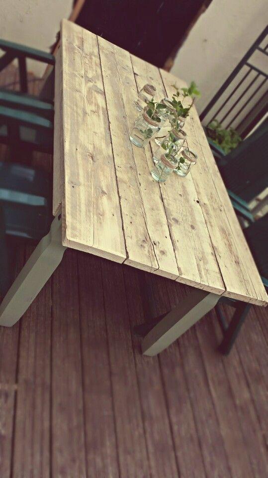 Diy scaffold board garden table