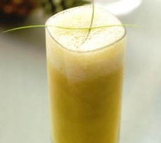 Pineapple Crush Recipe:  Enjoy a refreshing blend of pineapple with a touch of ginger topped with ginger ale in this pineapple crush recipe.