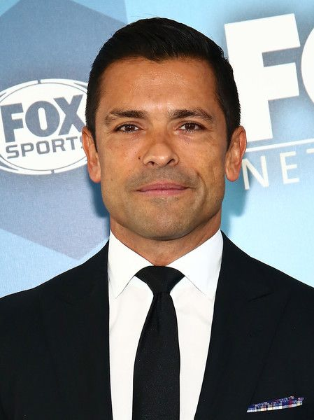 Mark Consuelos Photos Photos - Actor Mark Consuelos attends FOX 2016 Upfront Arrivals at Wollman Rink, Central Park on May 16, 2016 in New York City. - FOX 2016 Upfront - Arrivals