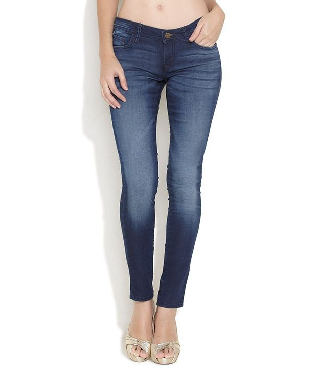 Lee Blue Cotton Slim Jeans, http://www.snapdeal.com/product/lee-blue-cotton-skinny-jeans/1742855415