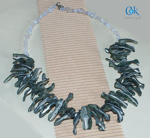 Petrol & white necklace (190)