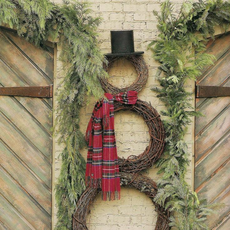 snowman out of wreaths...so cute, and can be done on the cheap!: Wreaths Snowman, Snowman Wreaths, Garage Doors, Cute Ideas, Front Doors, Holidays Decor, Christmas Decor, Grapevine Wreaths, Christmas Ideas