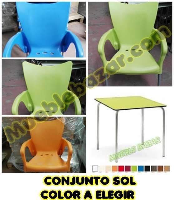 . 4 sillas + mesa exterior ,la mesa en compact y las sillas en polipropileno. Mesa de 70x70 cms apilable. Sillas de polipropileno patas aluminio. Multiusos ideal exterior e interior