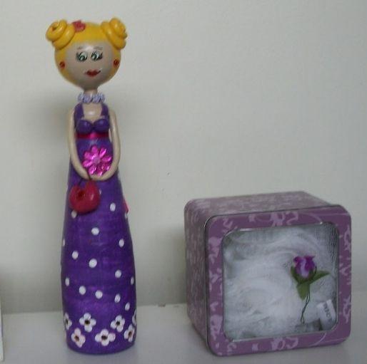 boneca-feita-com-reciclagem-garrafa-de-vidro