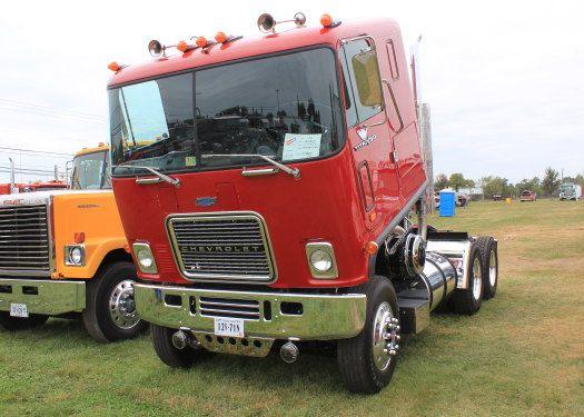 47 best images about chevy detroit diesel gmc big rigs on pinterest models semi trucks and trucks. Black Bedroom Furniture Sets. Home Design Ideas