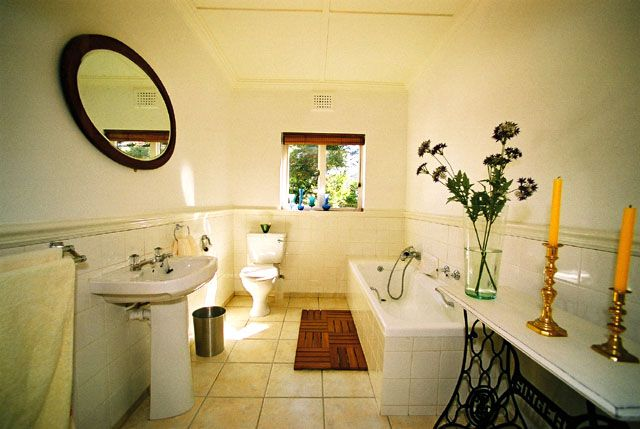 Self catering accommodation, St James, Cape Town   Bathroom with a bath  http://www.capepointroute.co.za/moreinfoAccommodation.php?aID=52