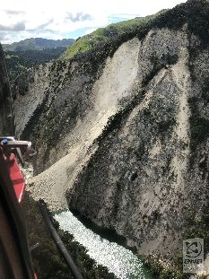 Landslides and Landslide dams caused by the Kaikoura Earthquake