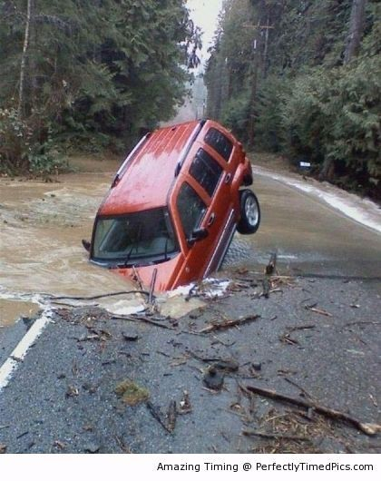 Why traveling on flooded roads is a bad idea ?