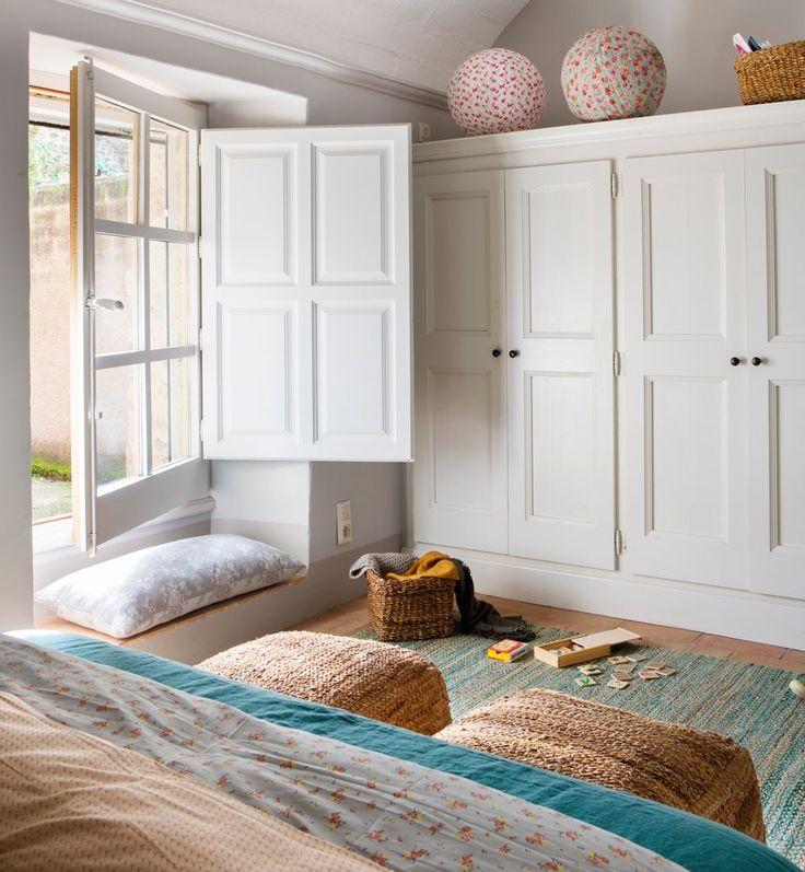 Dale a tu casa un aire más natural y actual con complementos de esparto: alfombras, cabezas de animal, cestos para decorar...