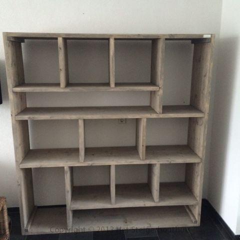 Steigerhout vakkenkast naar keuze greywash steigerhouthuis foto 1