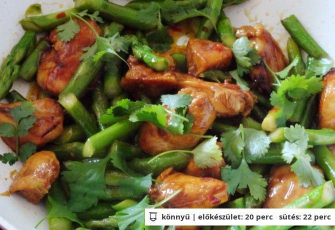 Ázsiai csirkemell zöldspárgával