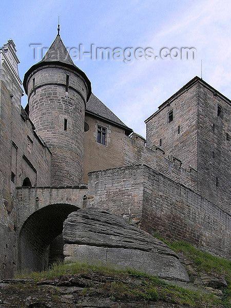Kost Castle - bridge and ramparts - Cesky Raj - Bohemian Paradise - Hradec Kralove Region - photo by J.Kaman - (c) Travel-Images.com - Stock Photography agency - Image Bank