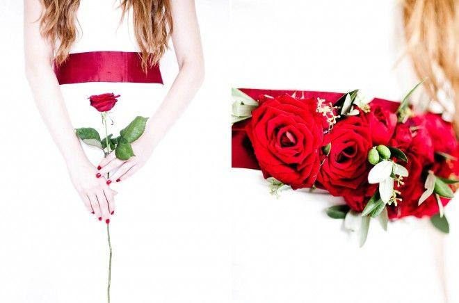 noni- schlichtes langes Hochzeitskleid mit breitem roten Gürtel und Blumenkranz für die Haare (www.noni-mode.de - Foto: Anja Schneemann)