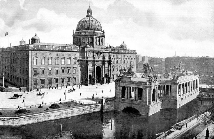 Das Berliner Stadtschloss, die Hauptresidenz des preußischen Königs, um 1900