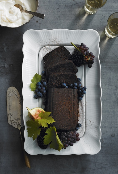 //john cullen: Cullen Photographers, Food Style, Chocolates Cakes, Food Inspiration, John Fresh, John Cullen, Food Plates, Fruit Recipes, Fresh Fruit