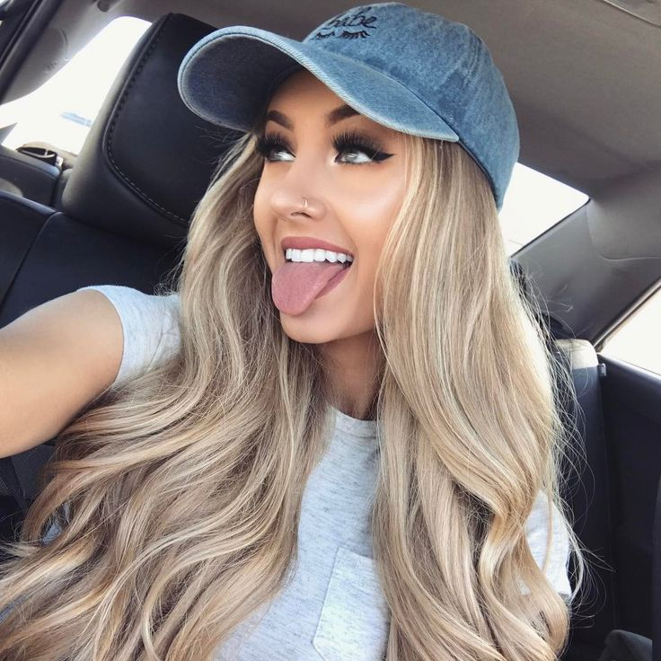 [ FC: Aspen Mansfield ]: [ prep ] Hey! I'm Aspen. I'm 18 years old and single. Michael is my older brother. I like going on adventures, photography and partying. Luke doesn't really like me going out and partying, but I'm pretty rebellious. Anyways, introduce?""