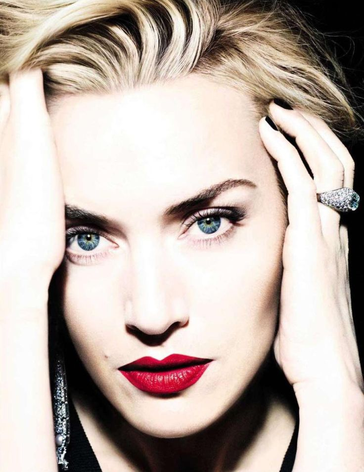 Kate Winslet photographed by Miguel Reveriego