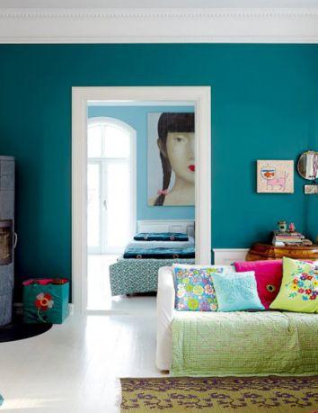 decoracao-azul-sala #parede #colorida #marco #branco