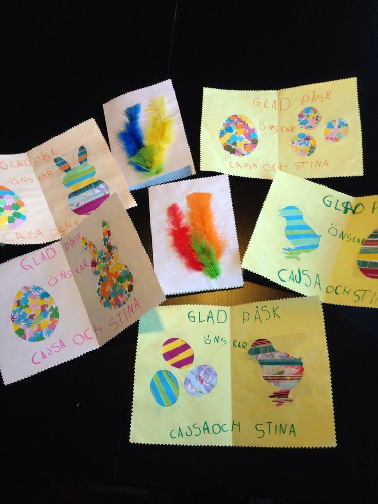Påskkort av konfetti utstansade från papper mallar pappersremsor o fjädrar. Feathers diy påskkort påsk påskpyssel pyssel crafts eastercrafts