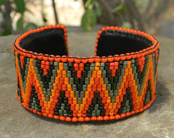 Beaded peyote rigid bracelet in orange and green by Anabel27shop
