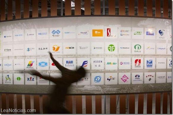 La verdad sobre los mensajes ocultos en los logos publicitarios (Video) - http://www.leanoticias.com/2014/08/20/la-verdad-sobre-los-mensajes-ocultos-en-los-logos-publicitarios-video/