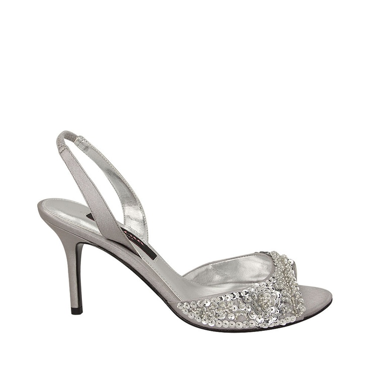 Here's a beautiful but simple wedding shoe to add a bit of sparkle to your  wedding attire.