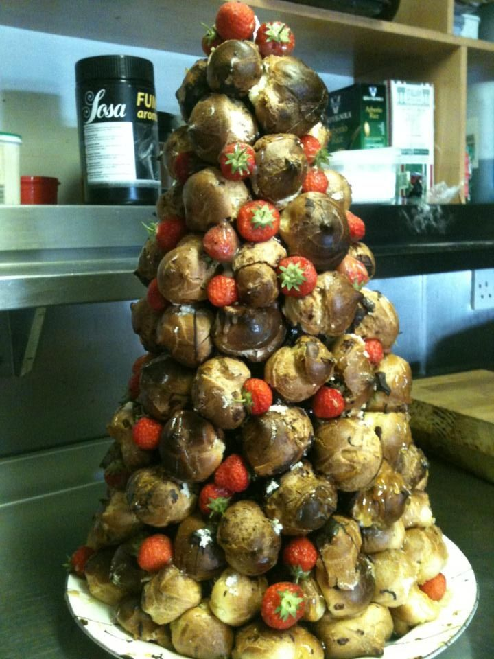 Profiteroles Tower Oliv3 Pinterest Profiteroles