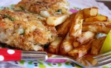 Quick fishcakes with oven baked chips....Are you looking for something easy to bake for your kids...well you´re lucky, here you got a recipe, in the link it said it would be perfect for a dinner, I prefer it for luch            XOXO               -Andy
