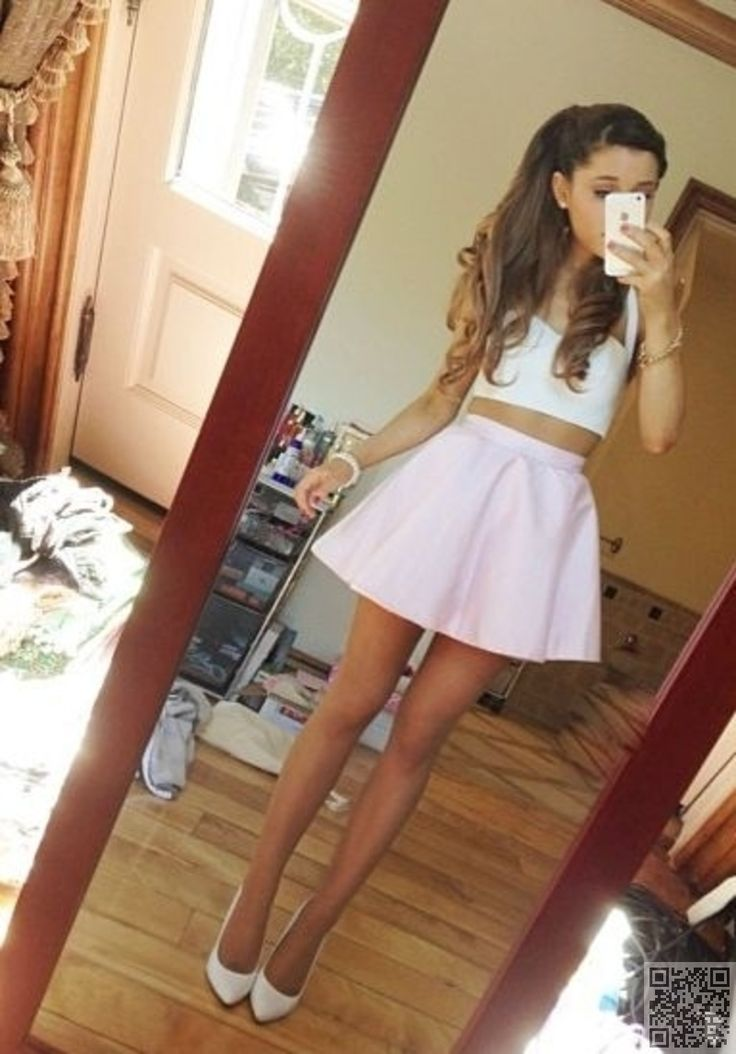 17. #Arianna Grande! She Has the Best Body #Ever! I Wish I Had Her Legs and Arms and Waist! so #Pretty! - 33 Fabulously #Fashionable Looks from #Ariana Grande ... → #Fashion #Fuzzy