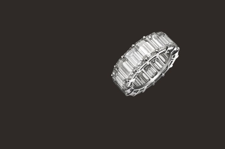 "Are you ready for Valentine's Day ? If not, what do you think about our white gold ring with ""baguettes"" diamonds ? There is nothing better to please your beloved one ~ #waskoll #paris #diamonds #baguette #valentineday #lovedone"