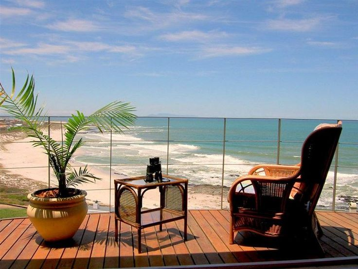 Swept Away Guest House - Swept Away Guest House is true to its name, nestled against a hill with stunning views of the bay below, and on a clear day you can even see Table Mountain. A good size balcony allows for sundowners in ... #weekendgetaways #yzerfontein #southafrica