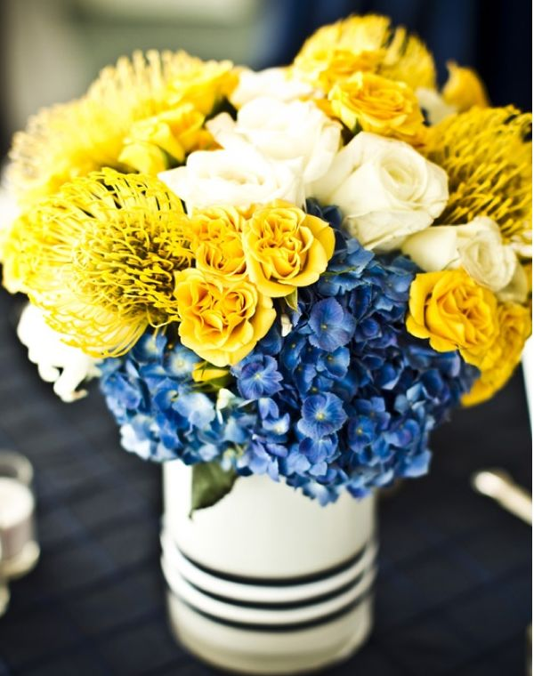 Grab Your Wedding Guests' Attention with these Impressive Low Centerpieces - MODwedding