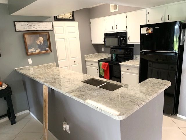 Beautiful Custom Made Kitchen And Island Countertop Made By Using Balthus Colonial White Color Granite Which Is Island Countertops Countertops Granite Kitchen
