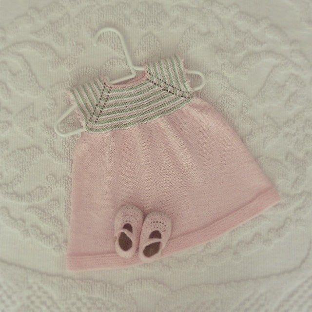 summer dress 100% cotton #pontinhosmeus #knittersofinstagram #knittingdress…