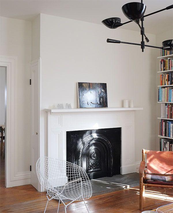 Benjamin Moore Simply White: Walls: Benjamin Moore Soft Chamois (flat) Ceiling/moldings