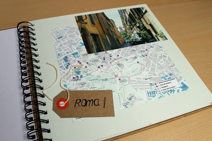 Scrapbook idee: kaart van een stad als achtergrond