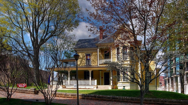Thomas Wolfe House, Asheville, NC by Brother Hug