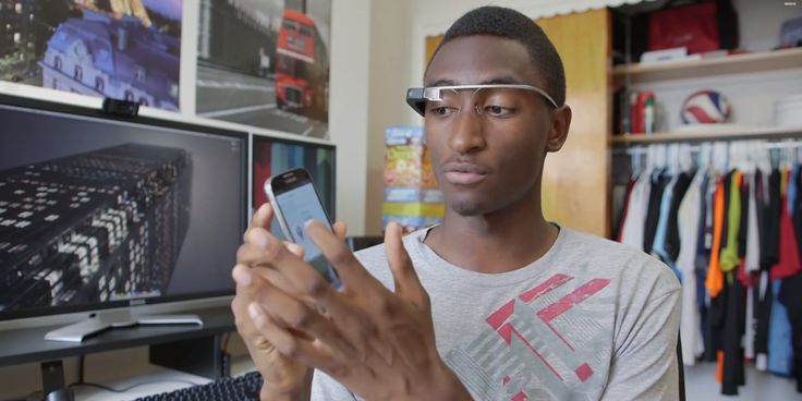 How A 20-Year-Old College Student Became 'The Best Technology Reviewer On The Planet'  Read more: http://www.businessinsider.com/marques-brownlee-mkdhb-youtube-story-gadget-reviews-2014-11#ixzz3Kfm2vmks