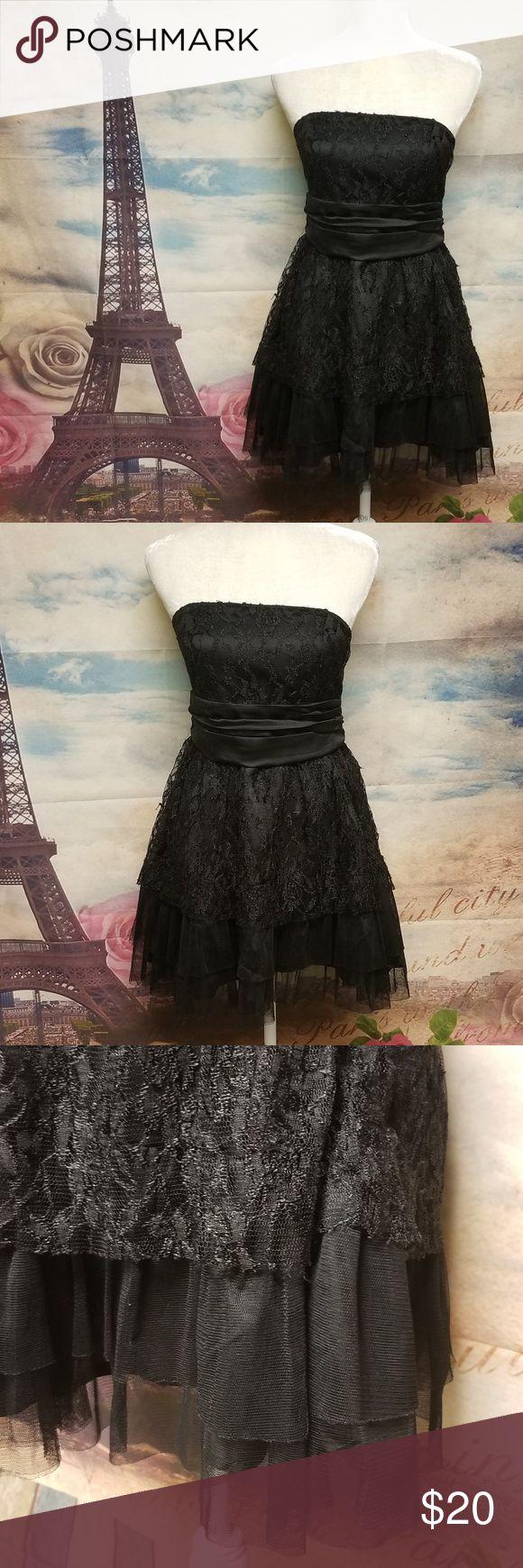 The hanger mini black sleeveless dress