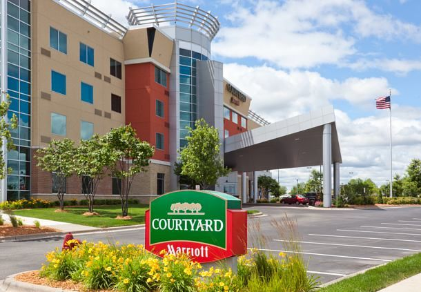 Courtyard Minneapolis Maple Grove Arbor Lakes Exterior Comfort Rooms Comfortable Maple Grove Courtyard Arbor