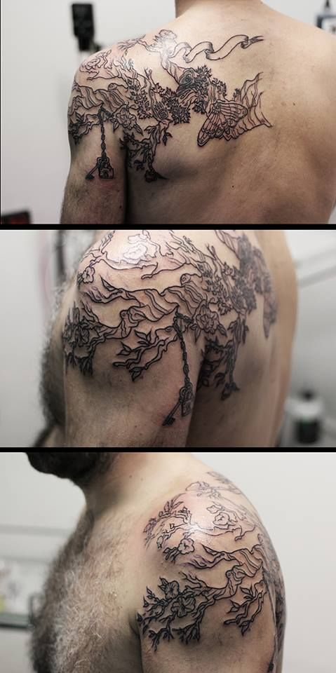 Sakura Tree One O Nine Tattoo & Barber Shop Barcelona