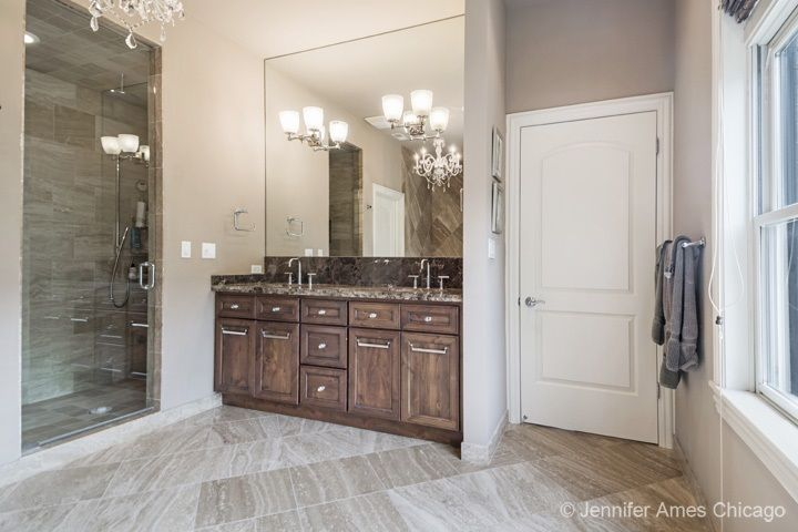 Top quality finishes | 2641 North Hartland Court, Chicago, IL