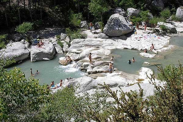 Baignade dans les Gorges de la Méouge, Provence des montagnes, PACA