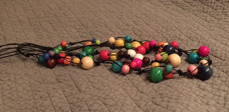 Daisies necklace 'colours' wooden beads