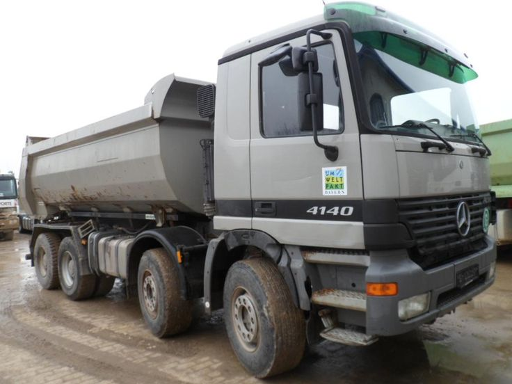 We sell cheap tilting Mercedes Benz Actros 4140 Second Hand. Manufacture year: 2002. Mileage: 569854 km. ABS, electric windows, sun roof visor. Excellent running condition. Ask us for price. Reference Number: AC733. Baurent Romania.