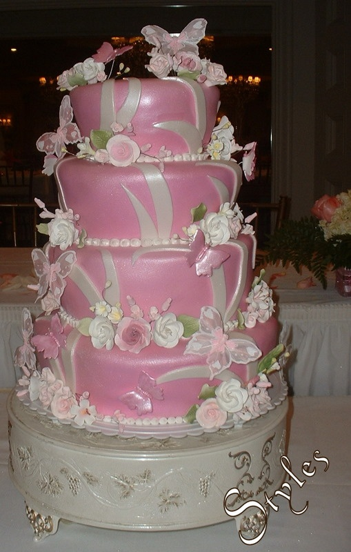 Cake Ideas For Quinceaneras : 142 best images about Quincenera cakes on Pinterest ...