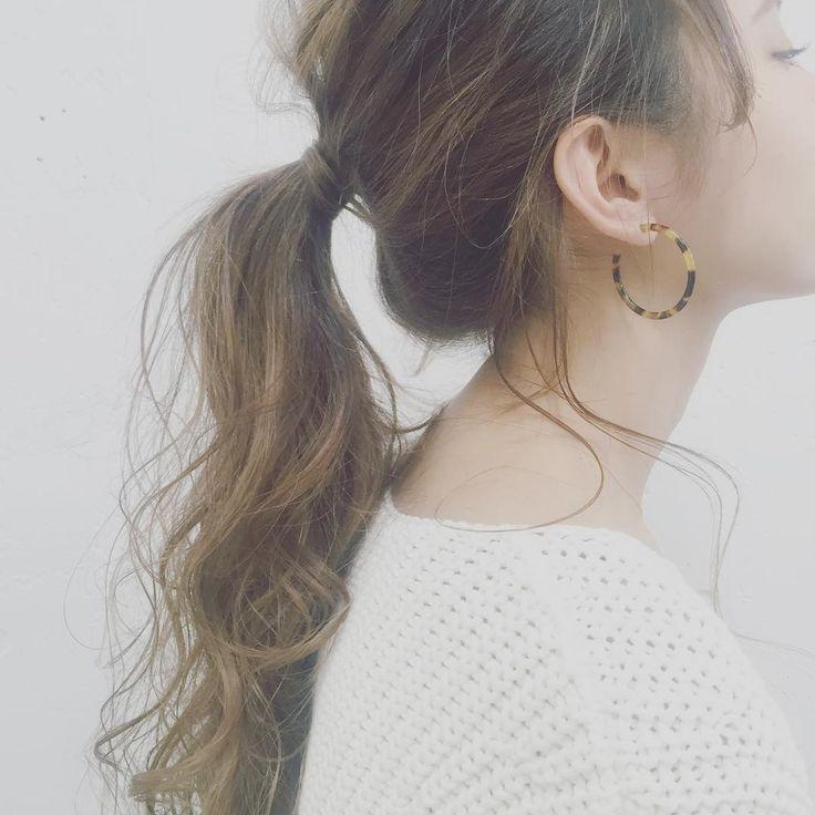 """顔の横の髪、どこまで残す?""""こなれ""""後れ毛の作り方 - Locari(ロカリ)"""